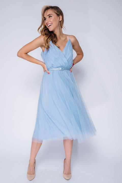 Голубое платье миди  на бретелях