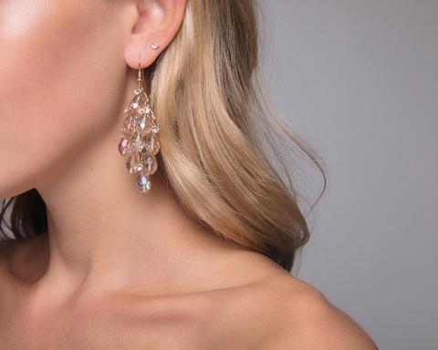Золотые серьги-люстры из прозрачных камней