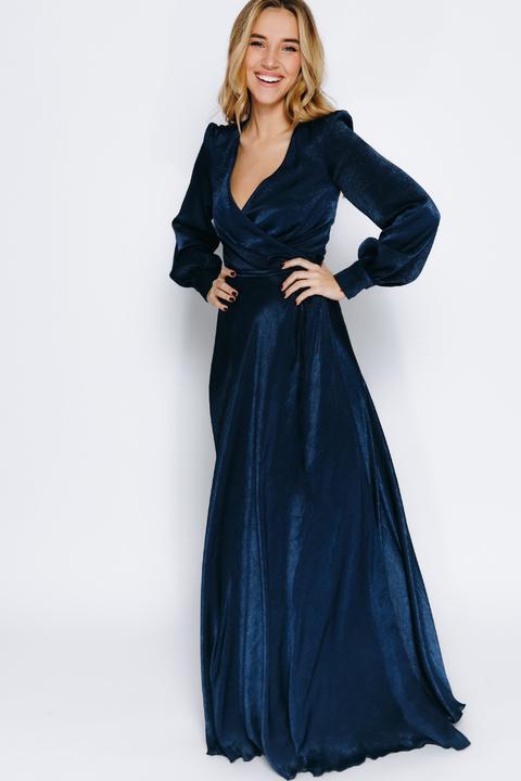 Темно-синее шелковое платье в пол с зернистым эффектом