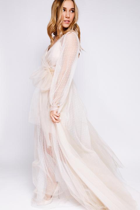 Комбинированное бежевое длинное платье из фатина