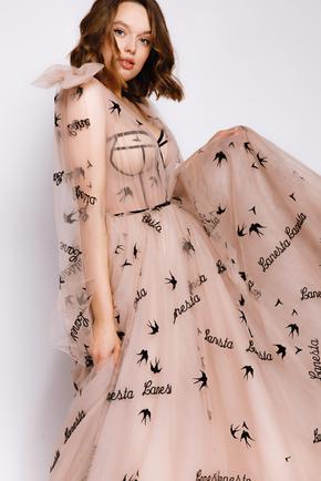 Пишна довга сукня з корсетом та написами в прокат и oренду в Киiвi. Фото 2