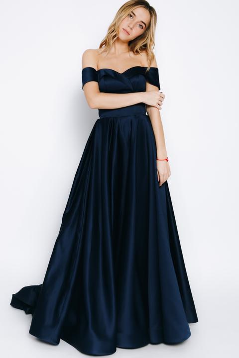 Тёмно-синее платье в пол со шлейфом