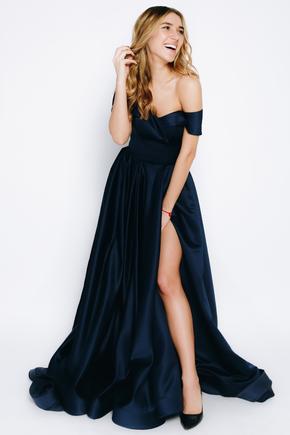 Темно-синя сукня в підлогу зі шлейфом в прокат и oренду в Киiвi. Фото 2