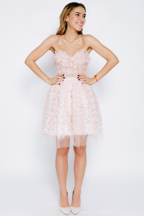 Нежно-розовое пышное платье мини расшитое цветами