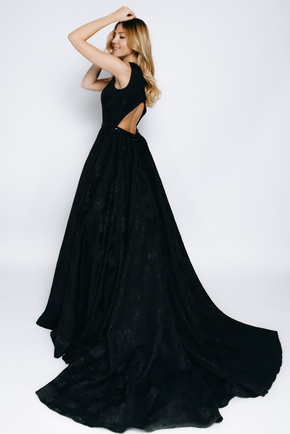 Довге чорне плаття з структурованої тканини зі шлейфом в прокат и oренду в Киiвi. Фото 1