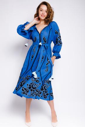 Синя вишиванка довжини міді з чорною вишивкою в прокат и oренду в Киiвi. Фото 1