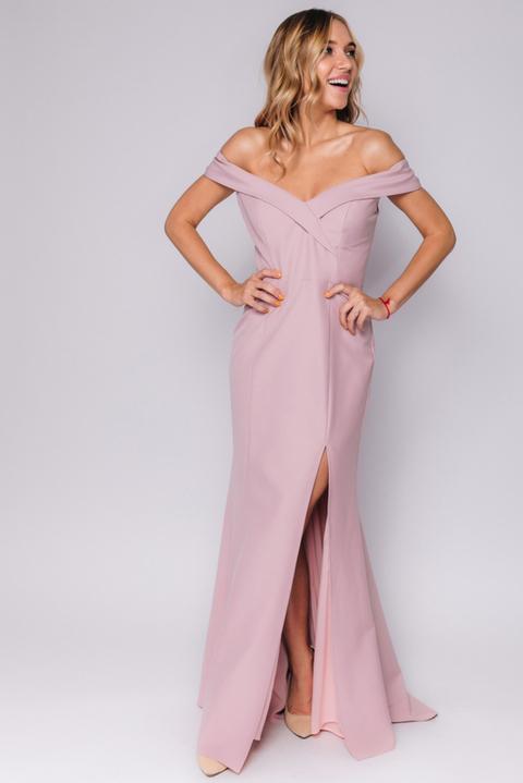 Розовое платье в пол со спущенными плечами