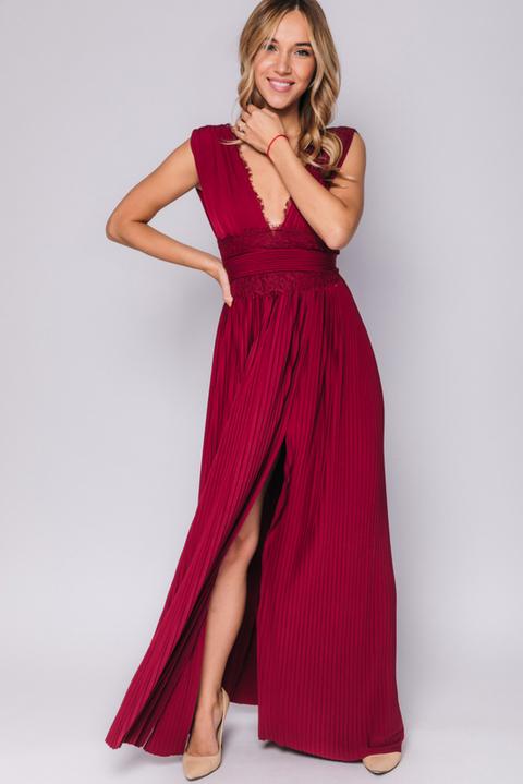 Бордовое платье макси с плиссировкой