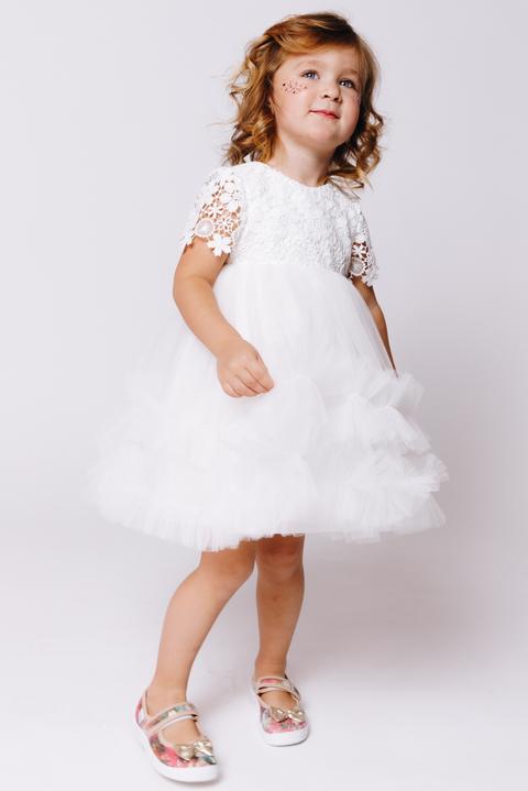 Детское платье с пышной юбкой и кружевным верхом