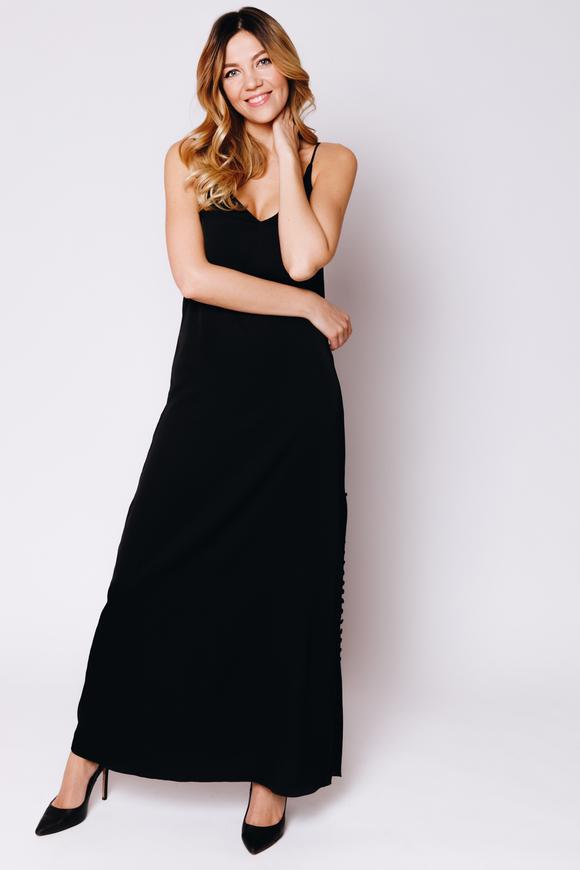 Черное шелковое платье-комбинация с высоким разрезом в прокат и аренду в Киеве. Фото 1