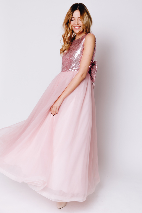 Детское платье с розовыми пайетками