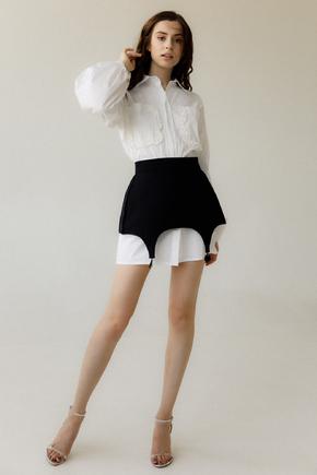Сукня-сорочка білого кольору зі знімним чорної басків в прокат и oренду в Киiвi. Фото 2