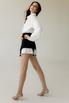 Платье-рубашка белого цвета со съемной черной баской в прокат и аренду в Киеве. Фото 4