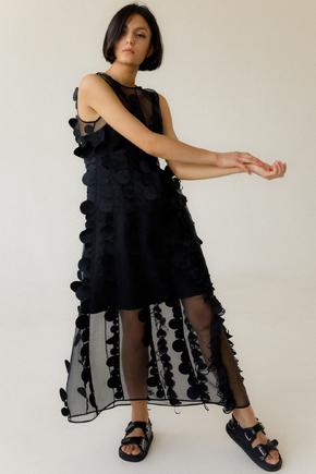 Двошарове напівпрозоре чорне плаття з об'ємними аплікаціями в прокат и oренду в Киiвi. Фото 2