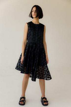 Перфороване плаття без рукава з асиметричним краєм в прокат и oренду в Киiвi. Фото 2