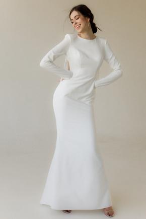 Довге вечірнє плаття білого кольору зі шлейфом і бахромою з бісеру на спині в прокат и oренду в Киiвi. Фото 2