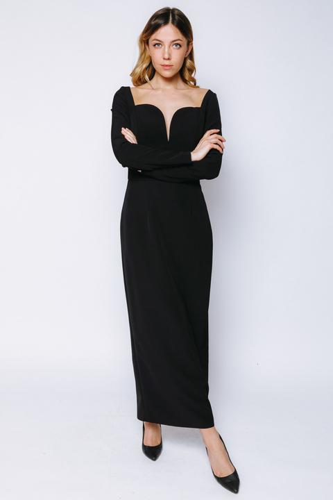 Чёрное платье длины миди с фигурным декольте