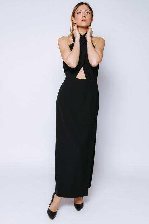 Чёрное платье-хомут с разрезом сбоку