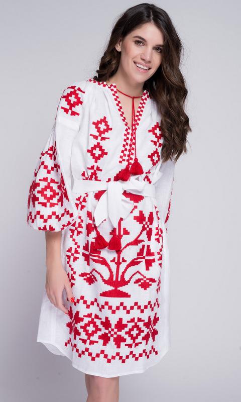 Белая вышиванка с красной вышивкой в прокат и аренду в Киеве. Фото 1