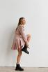 Платье длины мини из плотной ткани нежно розового цвета с рукавом буф в прокат и аренду в Киеве. Фото 5