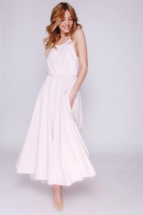 Нежно- розовое платье миди на бретелях