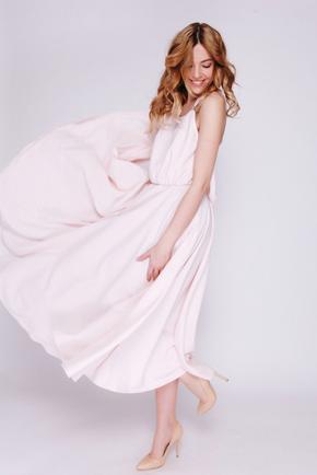 Ніжно-рожева сукня міді на бретелях в прокат и аренду в Киеве. Фото 2