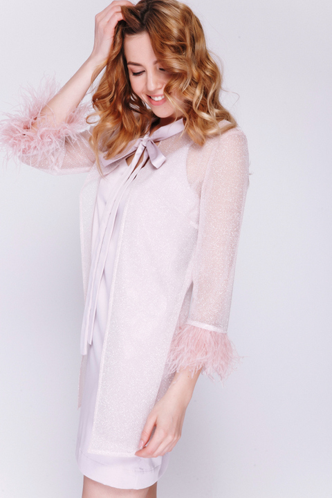 Пепельно-розовое платье мини с блестящей накидкой