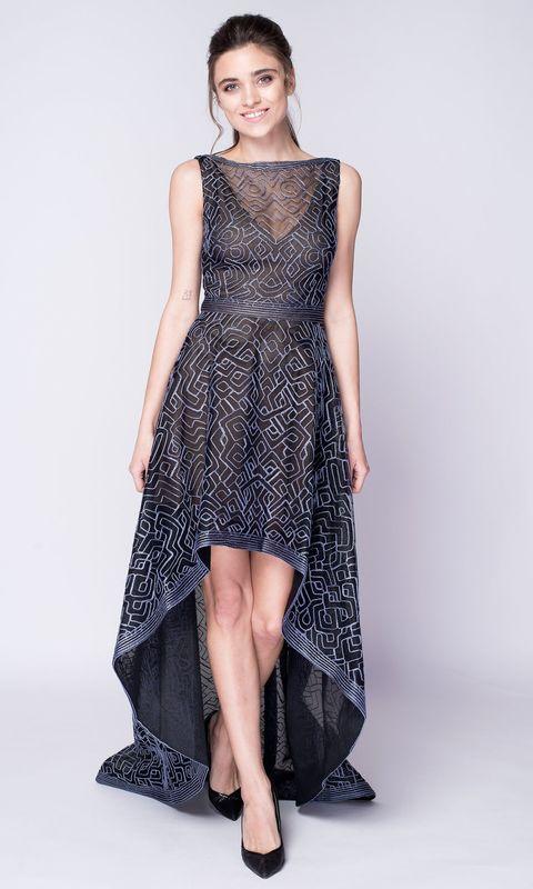 Темно-синее платье с переменной длиной