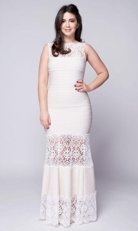 Кремовое длинное платье с кружевом