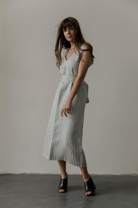 Платье свободного кроя длины миди из льна в полоску