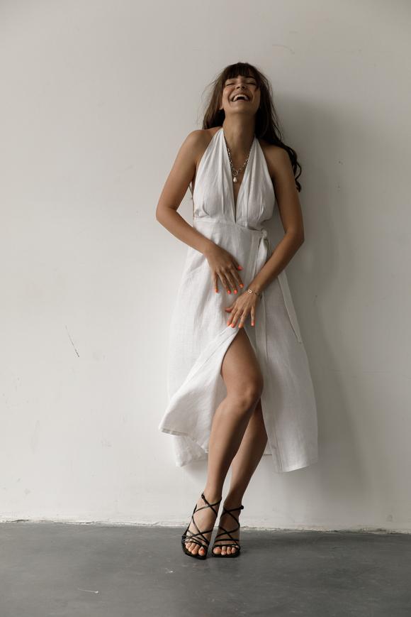 Белое платье миди на запах из льна в прокат и аренду в Киеве, Одессе, Харькове. Фото 2