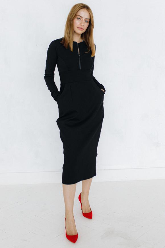 Платье футляр с горловиной черного цвета в прокат и аренду в Киеве. Фото 1