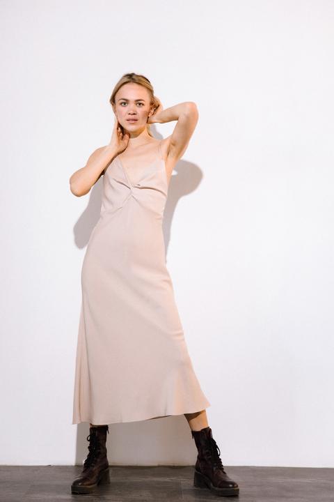 Бежевое платье комбинация из тенсела