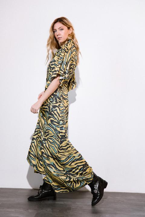 Платье длины миди  с принтом зебра зеленого цвета