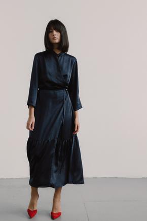 Синя атласна сукня-кімоно з воланом в прокат и oренду в Киiвi. Фото 1
