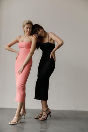 Трикотажне плаття-бюстьє міді чорного кольору в прокат и oренду в Киiвi. Фото 1