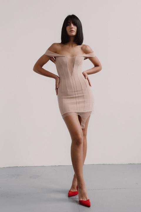 Корсетное бежевое платье со вставками из сетки