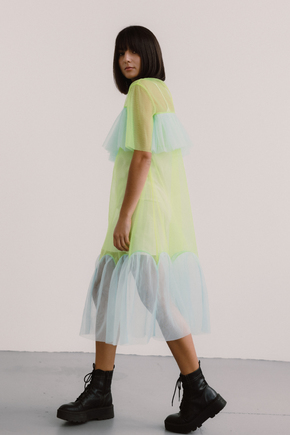 Напівпрозоре плаття лаймового кольору з блакитними вставками в прокат и oренду в Киiвi. Фото 2