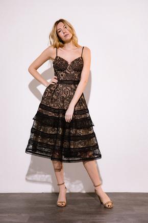 Сукня міді з мережива чорного кольору на бежевому подкладе в прокат и oренду в Киiвi. Фото 1