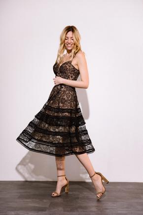 Сукня міді з мережива чорного кольору на бежевому подкладе в прокат и oренду в Киiвi. Фото 2