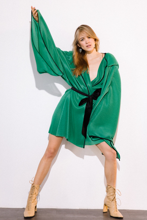 Платье-кимоно плиссе зеленого цвета в прокат и аренду в Киеве. Фото 1