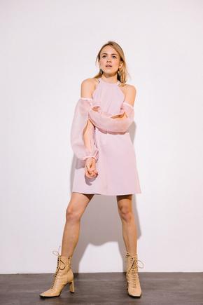Платье мини пудрового цвета с рукавами из органзы в прокат и аренду в Киеве. Фото 2