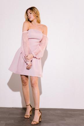 Плаття-бюст'є міні з рукавами з органзи рожевого кольору в прокат и oренду в Киiвi. Фото 2