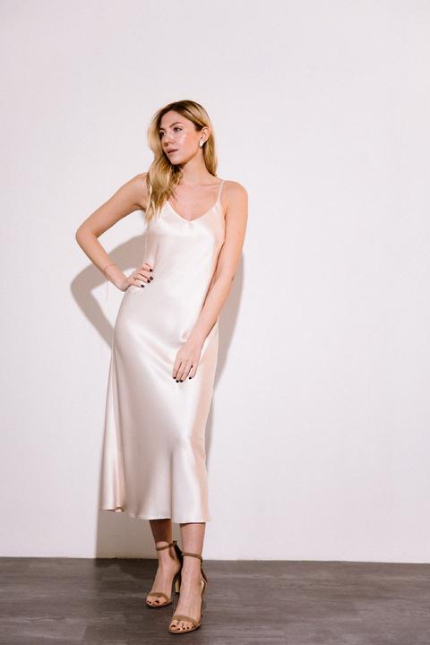 Кремовое платье комбинация длины миди из плотного шелка