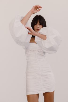 Біле плаття міні з об'ємними рукавами в прокат и oренду в Киiвi. Фото 2