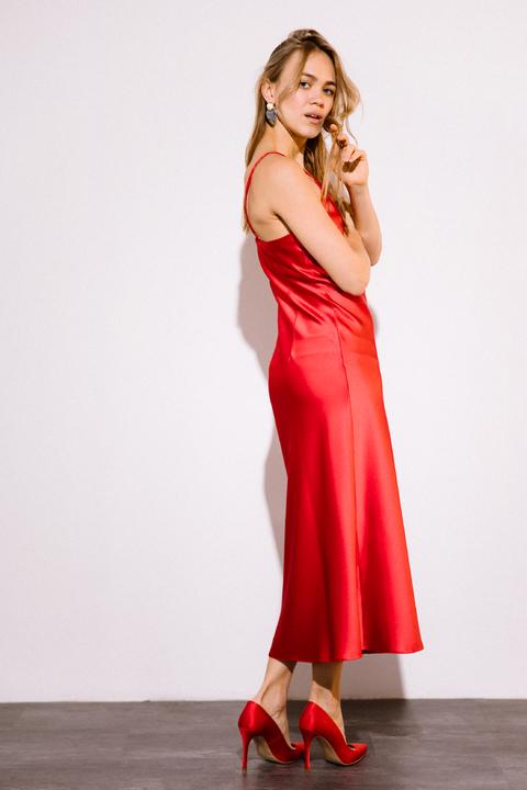 Красное платье комбинация длины миди из плотного шелка