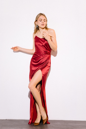 Шовкова сукня-бюстьє довжини міді бордового кольору в прокат и oренду в Киiвi. Фото 2