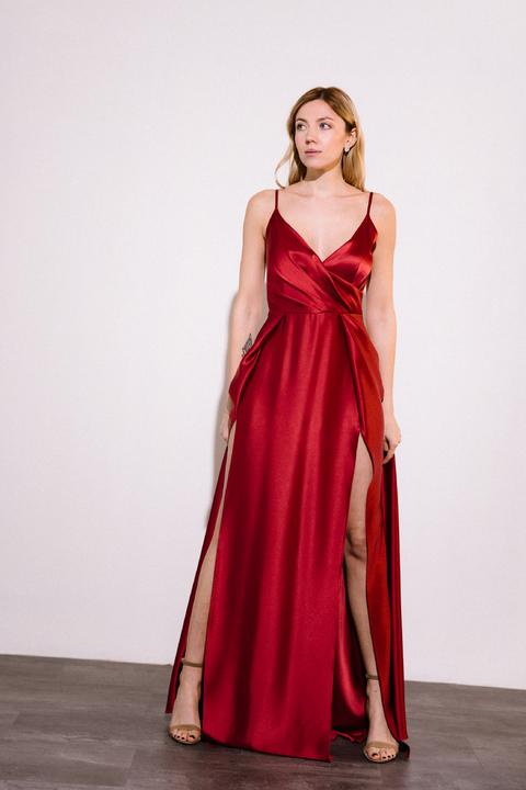 Шелковое платье длины макси бордового цвета