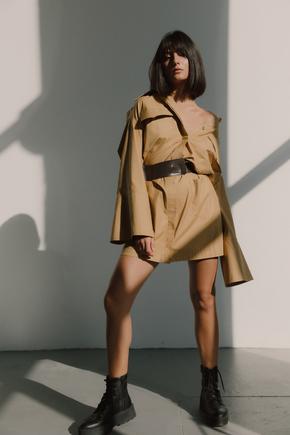 Сукня-сорочка довжини міні пісочного кольору в прокат и oренду в Киiвi. Фото 1