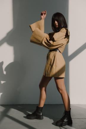 Сукня-сорочка довжини міні пісочного кольору в прокат и oренду в Киiвi. Фото 2